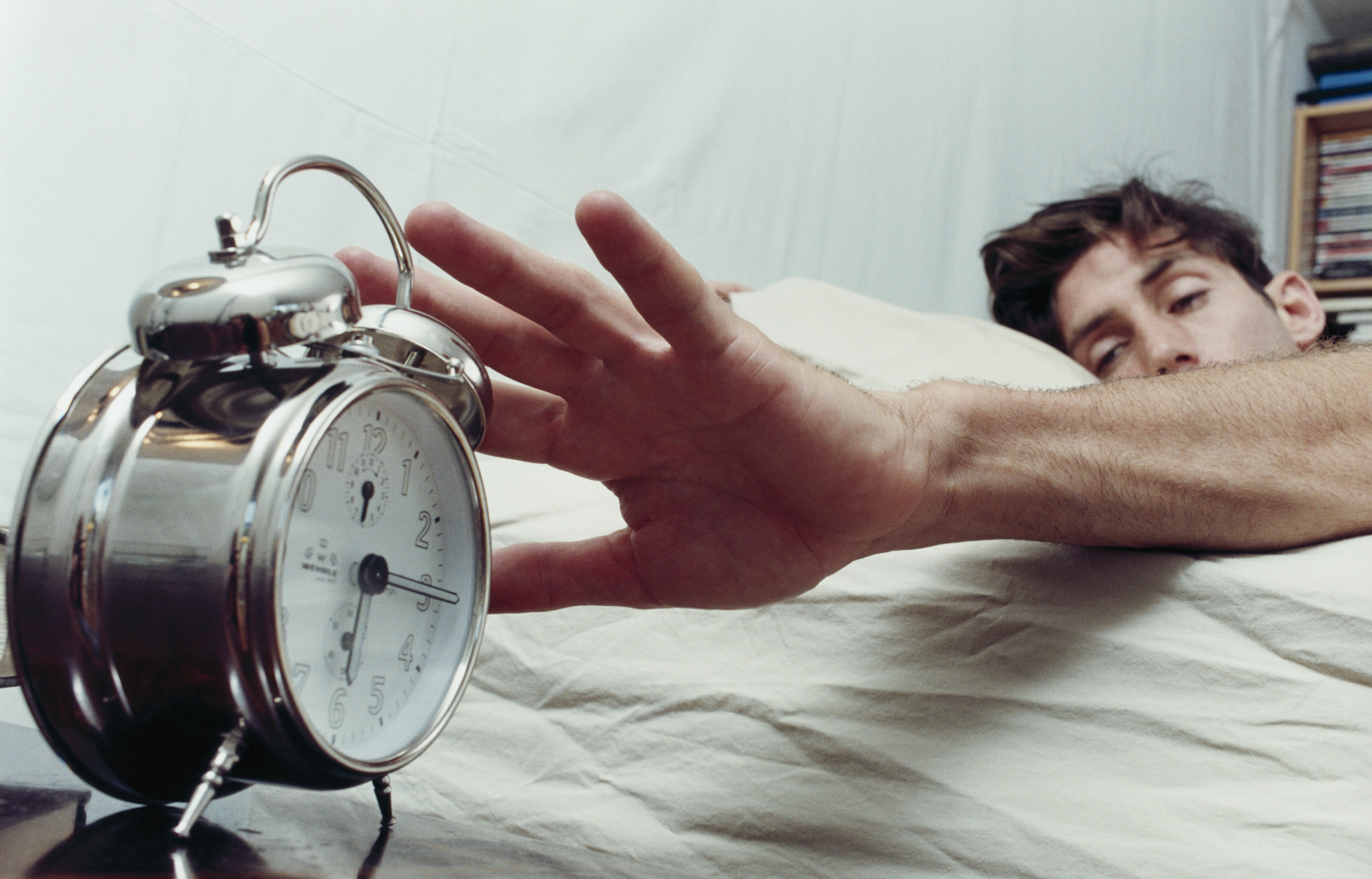 Difference in weekday and weekend sleep schedules can make you fat !