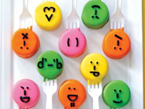 Let The Cake Pops Reveal Their Emotions On National Craft Month