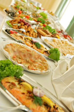 What Main Dishes To Serve At A Pre-Wedding Party