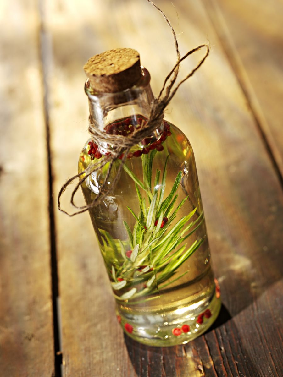 Uses Of Rosemary Oil