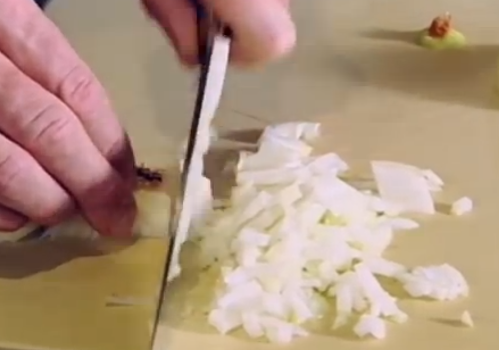 Gordon Ramsay's Onion Trick!