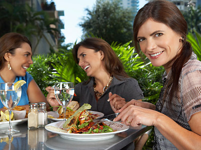 How To Eat Heart-Healthy When Dining Out