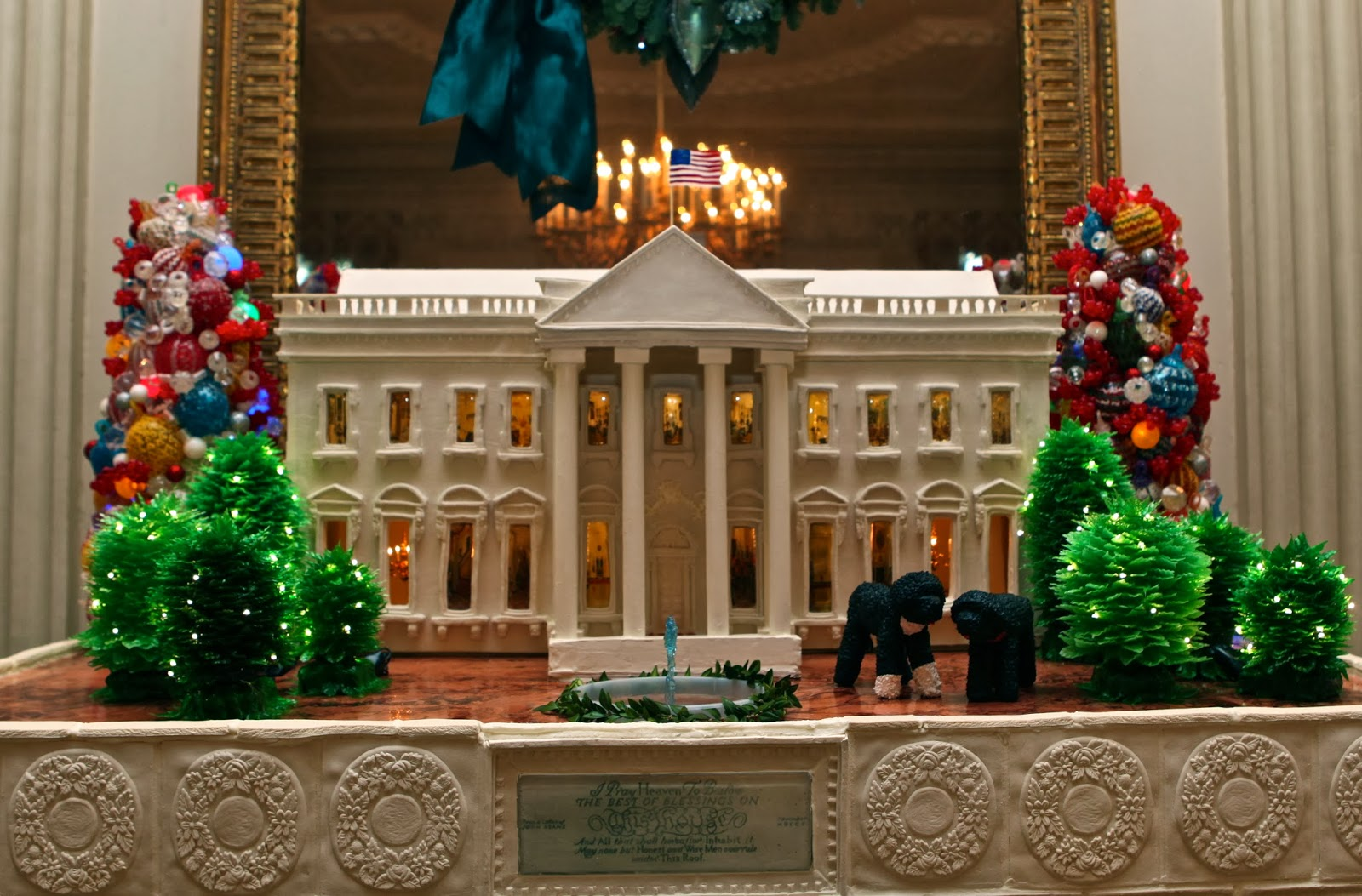 Watch How White House Makes Its Gingerbread House