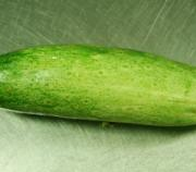 How to keep cucumber fresh in summer.