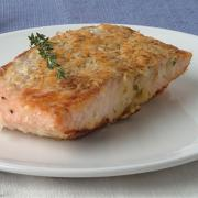 Salmon rich in omega 3 acids helps to fight cholesterol