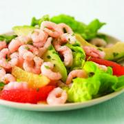 How to serve shrimp salads